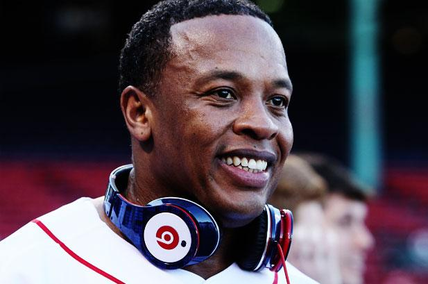Dr-Dre-with-Beats
